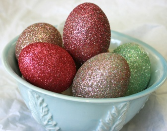 Create festive Glittery Egg ornaments with Yvette Taylor
