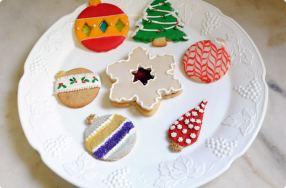 Holiday Cookie Decorating Techniques