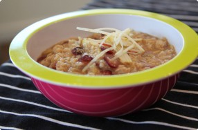 Oatmeal w/ Cranberries, Apples & Cinnamon