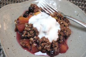 Peach-Berry Crisp