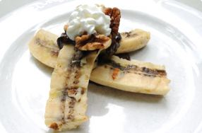 Grilled Banana w/ Chocolate & Peanut Butter