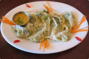 Vegetable Momo w/ Sesame Chutney